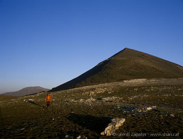 Montañero en el Coll de Torreneules